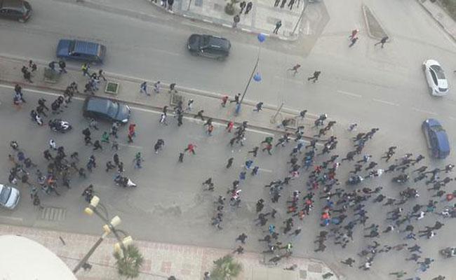بدوي يؤكد أن قرار تمديد العطلة جاء بناء على تعليمات سلال، ملمحا بوقوف جهات خلف احتجاجات التلاميذ