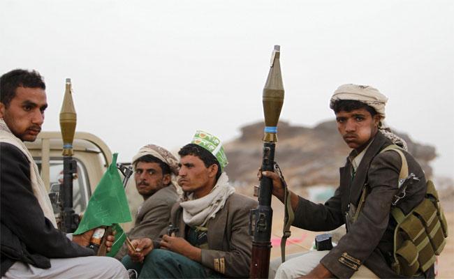 الحوثيون يفخخون المناهج التربوية بـ
