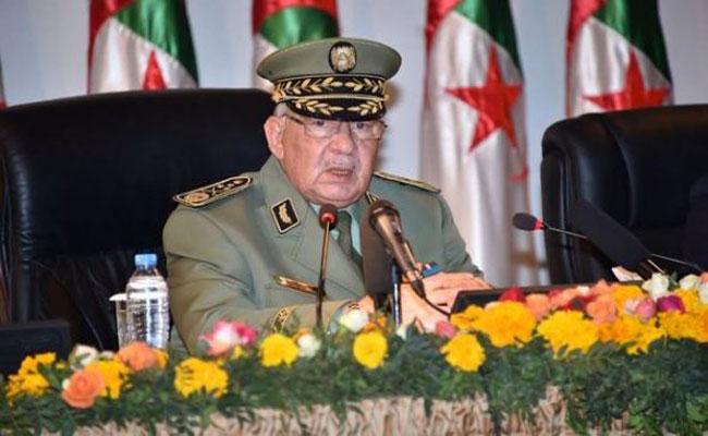الفريق أحمد قايد صالح يقود زيارة عمل و تفتيش للأكاديمية العسكرية شرشال