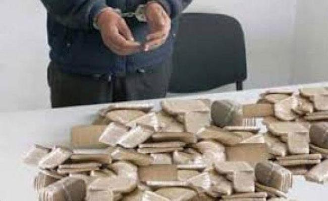 الجيش الوطني الشعبي و عناصر الدرك الوطني يوقف تاجري مخدرات بوهران و تلمسان