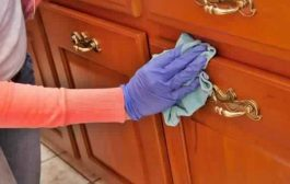 9 حيل من أجل تنظيف الأثاث الخشبي ليعود جديداً