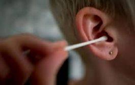 خطورة استعمال العيدان القطنية في تنظيف قناة الأذن