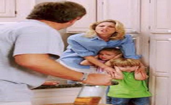 كل ما كان الأب قاسي وظالم انتج أبناء مصابين بالضياع والقلق والتوتر والوسواس القهري