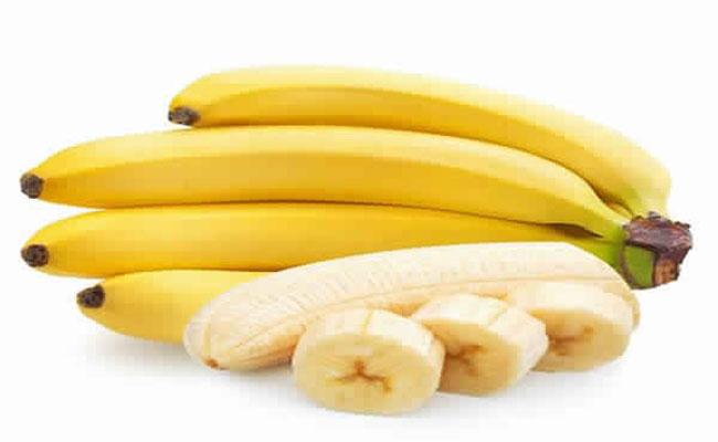 4 استعمالات لقشر الموز ستمنعكِ من رميها منذ اليوم!