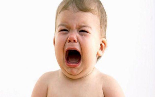 خطوات بسيطة لتهدئة طفلكِ شديد البكاء