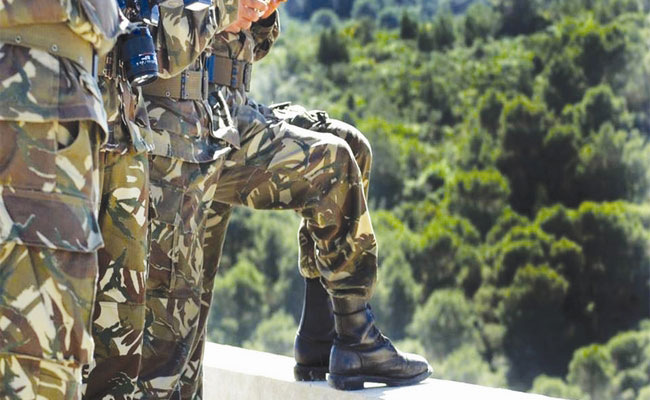 الجيش الوطني الشعبي بالتنسيق مع الأمن الوطني يقضيان على إرهابيين خطيرين بحي شطيط بالأغواط
