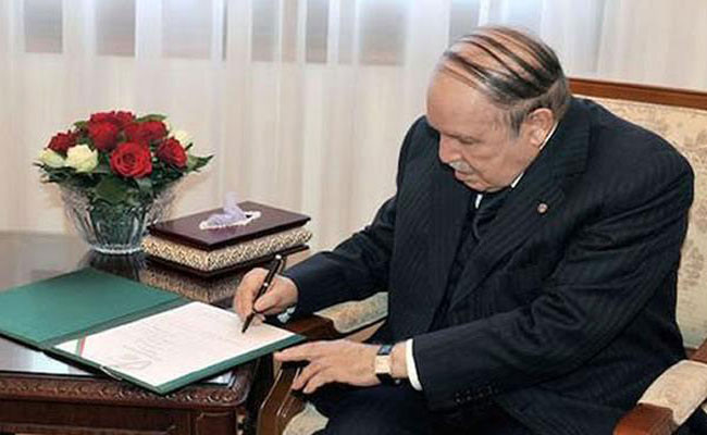 رئيس الجمهورية يوقع على المرسومين المتضمنين تعيين أعضاء الهيئة المستقلة العليا لمراقبة الانتخابات