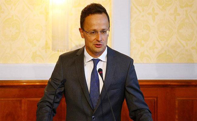 وزير الشؤون الخارجية المجري في زيارة رسمية للجزائر