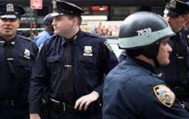 مخلفات دونالد ترامب / مسلمة تقاضي الشرطة الامريكية إثر إجبارها على خلع الحجاب ووضعها في زنزانة رجال