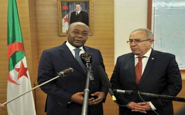 وزير الخارجية الغابوني يعرب عن إرادة بلاده في