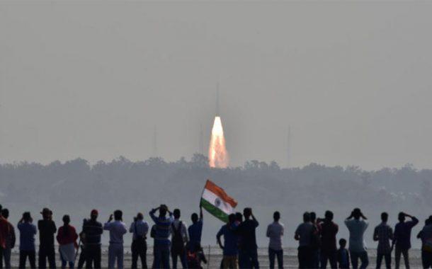 الهند تقوم بإرسال 104 قمر اصطناعي على متن صاروخ واحد