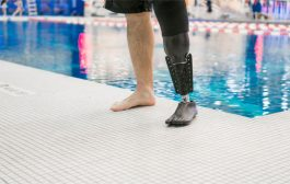 ساق اصطناعية أكثر ملائمة لذوي الإعاقة لمزاولة السباحة