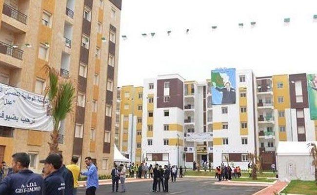 وزير السكن الجديد في أول خروج له تسليم مفاتيح 3300 سكن بصيغة البيع بالإيجار بسيدي عبد الله لفائدة مكتتبي 2001 و2002