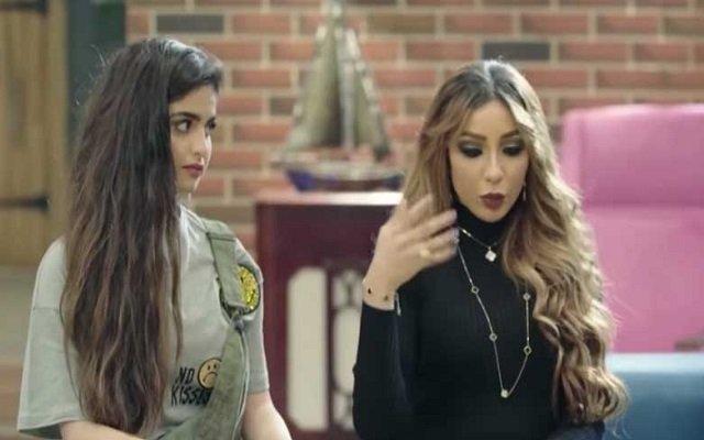 حلا الترك تفضح زوجة والدها دنيا بطمة