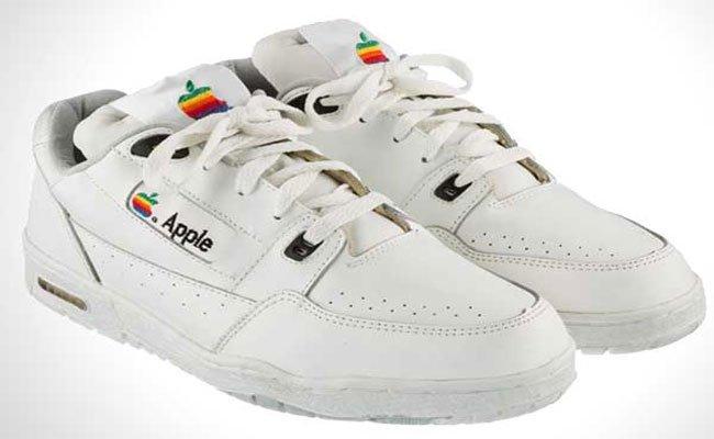 أحذية من أبل صممت في الثمانينيات بقيمة 000 30 دولار