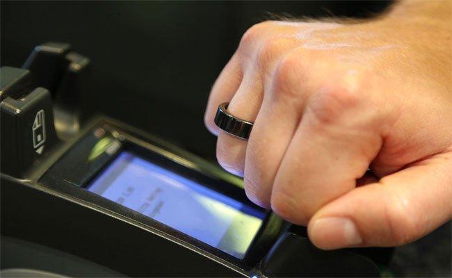 خاتم ذكي متعدد الوظائف يمكنك من تأدية فواتيرك!