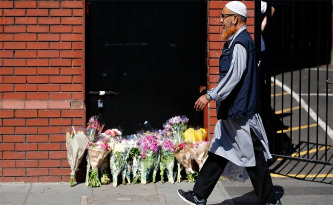 كيف يمكن قراءة الهجوم الإرهابي على المسلمين ببريطانيا ؟!