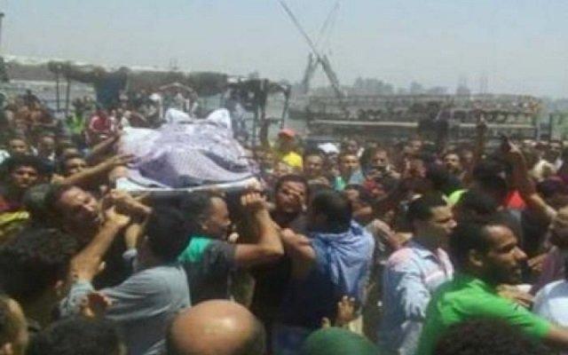 اشتباكات بين الشرطة وسكان جزيرة بمصر تؤدي إلى قتل شخص وإصابة العشرات