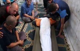 مجرم يغتصب وينحر ويفقأ عين طفل لاجئ سوري