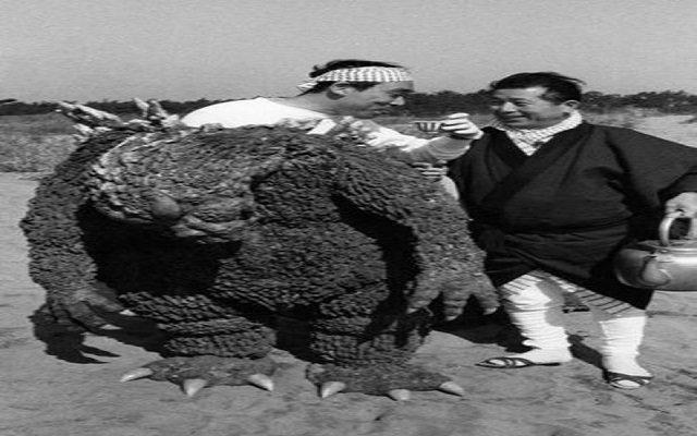 وفاة الوحش جودزيلا عن عمر 88