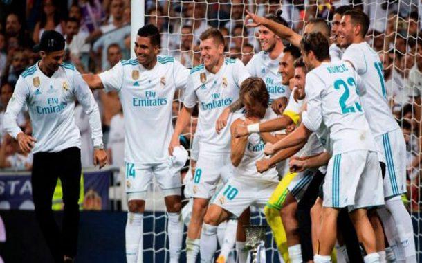 ريال مدريد يتوج بكأس السوبر