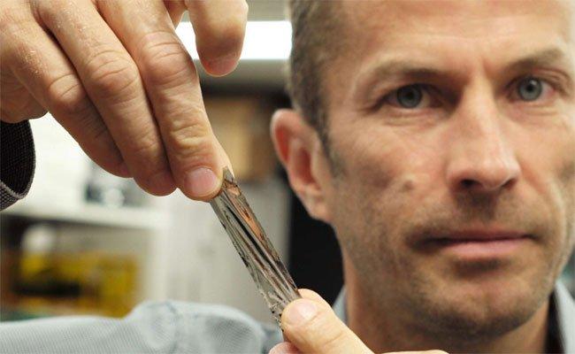 شريط مغناطيسي بحجم علكة يستطيع تخزين 330 تيرابايت من البيانات