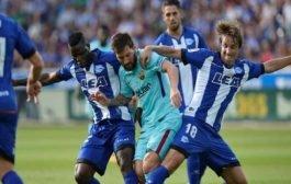 ميسي يقود برشلونة للفوز على ألافيس