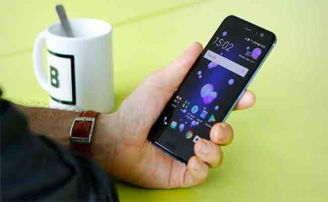 U11 Plus: الهاتف الذكي القادم من HTC سيتميز بشاشة دون حواف