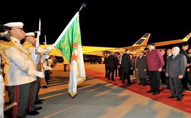 استقبال الرئيس الفنزويلي الذي يقوم بزيارة للجزائر تدوم يومين لرئيس مجلس الأمة بن صالح