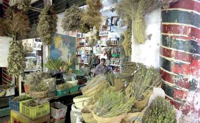 عندما تصبح محلات الأعشاب والرقية ملاذا للجزائريين أكثر من المستشفيات !
