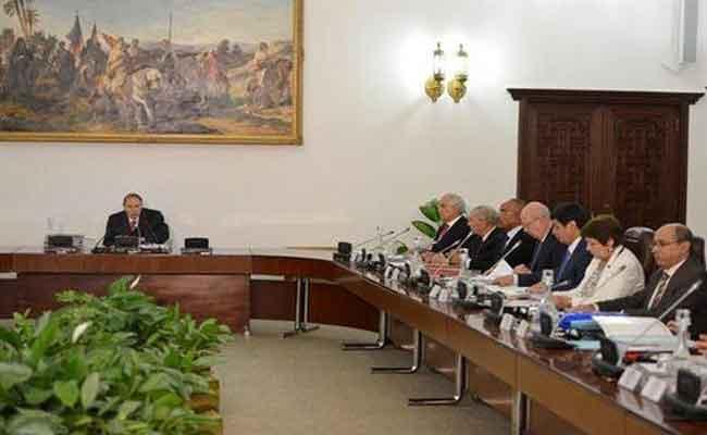 اجتماع مجلس الوزراء تحت رئاسة رئيس الجمهورية : النص الكامل لبيان المجلس