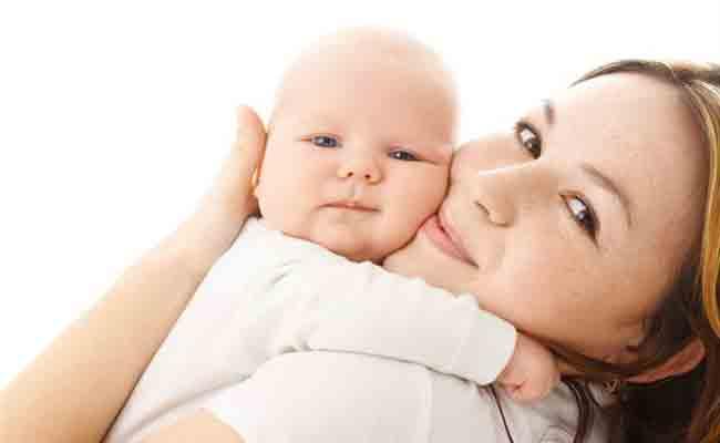 لهذه الأسباب يجب ان تدلكي طفلك الرضيع