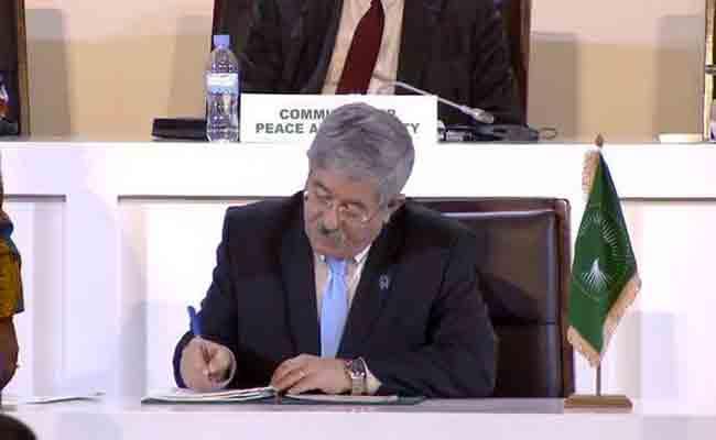 توقيع أويحيى في كيغالي على الاتفاق المتعلق بإطلاق منطقة التبادل الحر