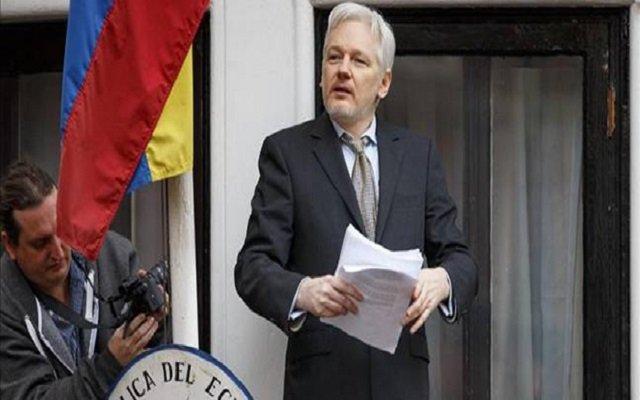 ناكر الإحسان مؤسس ويكيليكس يعتزم مقاضاة الإكوادور التي يعيش في سفارتها بلندن
