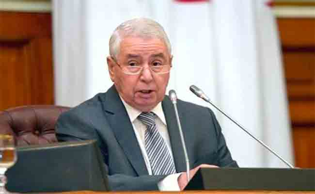 بن صالح :  الجزائر تسير حاليا في رواق مأمون اقتصاديا