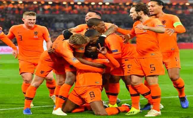منتخب هولندا يتأهل للمرحلة النهائية