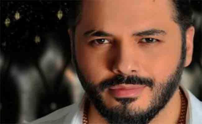 رامي عياش يفتك جائزة أفضل مطرب عربي في حفل