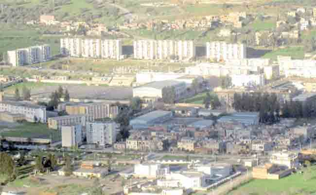 الساكنة تدق ناقوس الخطر بعد تلوث وادي بوخلخال بالهاشمية بالبويرة