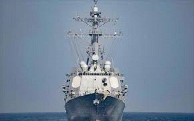 إيران تصنع سفينة حربية لا يكشفها الرادار