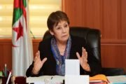 يا نورية بن غبريت نعيب التلاميذ والعيب في الوزارة