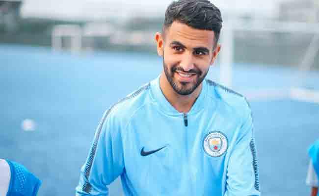 4 لاعبين جزائريين في قائمة الكاف