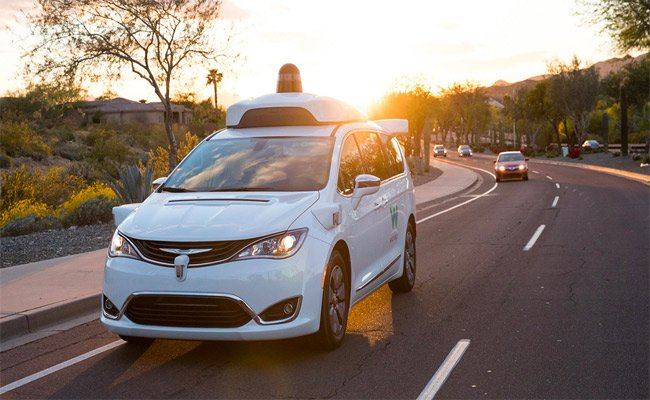 وايمو تطلق رسميا أول خدمة توصيل دون سائق
