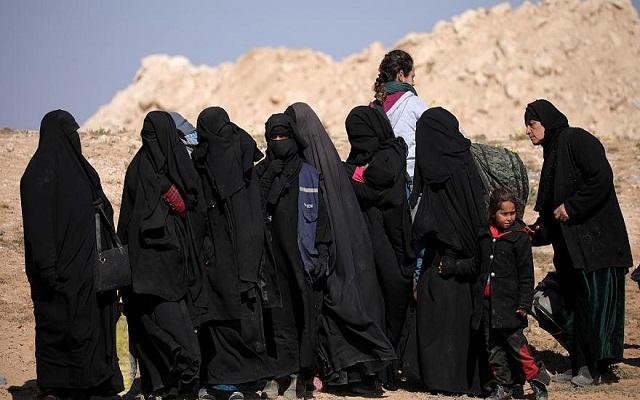 استسلام أعداد كبيرة من مقاتلي داعش بسوريا