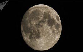 وجد باحثون الماء على سطح القمر