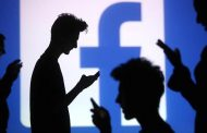 الفيسبوك سيضم كذلك أداة الملصقات والفلاتر لشبكته الاجتماعية