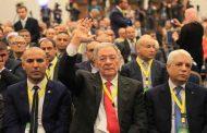بعد منع الصحفيين من تغطية اجتماع المكتب السياسي، ولد عباس: