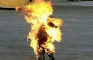 شاب بطال حاول ان يحرق نقسه بسبب الضغوط اسرية
