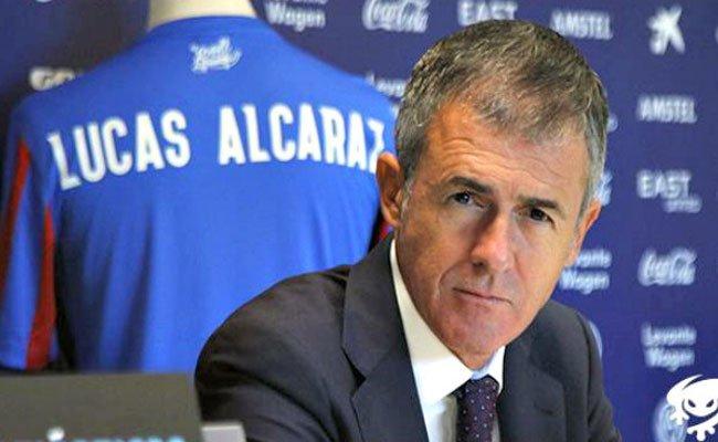ألكاراز يلتقي 20 لاعبا محترفا