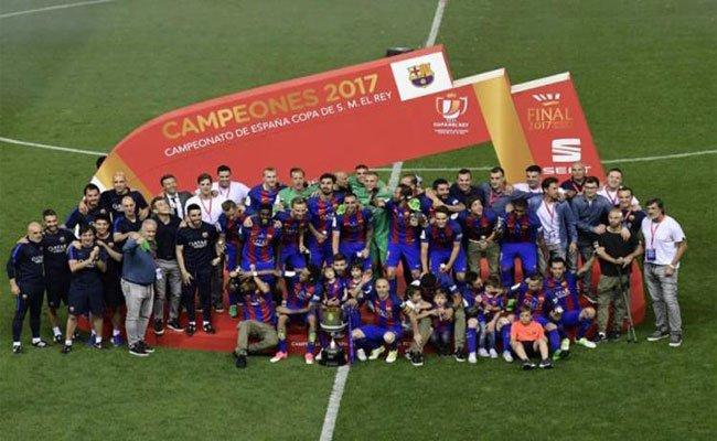 برشلونة يتوج بطلا لكأس الملك