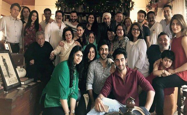 أشهر وأكبر عائلة فنية في العالم تحتفل بعراب الأسرة